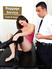 Nasty babe Bobbi Starr seduced a stupid fellow and got fucked in ass