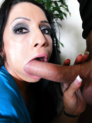 Lucky Monica Santhiago wants to penetrated hard with a huge pecker