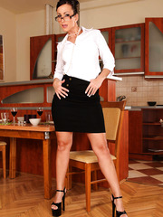 Sweet little babe Simone Peach showing amazing forms and fingering in the kitchen