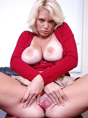 Mature blonde office woman Charlee Chase knows her work very well
