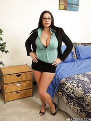 Appetizing perfection with Gianna Michaels and her extremely huge tits