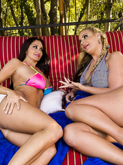 Two pairs of big boobs and pair of tight asses by Ava Addams and Phoenix Marie
