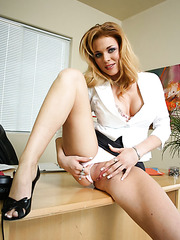 Perfect milf Gia Marley has a great strip hobby after her working day