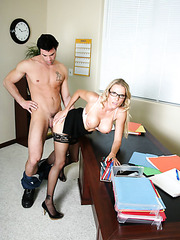 Voluptuous office fuck with busty milf Niki Wylde in sexy glasses