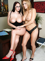 Gianna Michaels and Trina Michaels present us two pairs of first-class big boobs