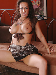 Curly haired, buxom milf with perfectly shaved pussy Angelica Lauren meets powerful dick