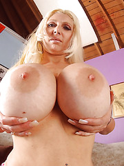 Incredible and horny blonde babe Kayla Cupcakes rubs her pussy and gets pleasure