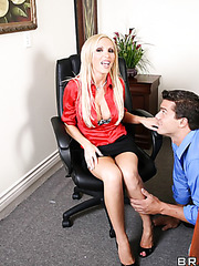 Gentle milf Nikki Benz gets a sweet cunnilingus and fucks like a crazy whore