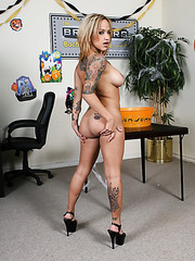 Awesome lesbian action with nasty girls named Mz Berlin and Regan Reese