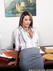 Jessica Lynn undresses her blue panties and masturbates in the office