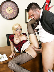Blonde milf Jenny Hendrix seduces her crazy boss for an awesome fuck