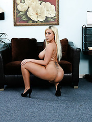 Fabulous and charming blonde Memphis Monroe surprises with her big boobs