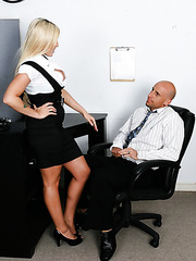 Blonde office bombshell Memphis Monroe seduces boss with her sexy forms