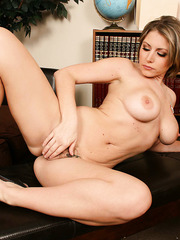 Short-haired milf Velicity Von takes off her sexy panties and spreads her legs