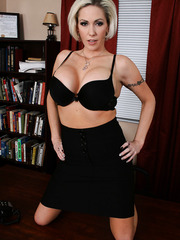 Awesome short haired blonde milf Kasey Grant takes off her office-style clothes