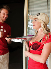 Pizza delivery milf Britney Brooks has something more delicious for that hot guy