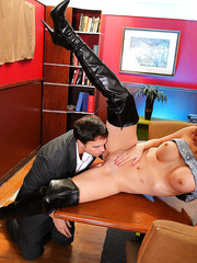 Busty milf coquette Jazy Berlin gets her pussy licked, sucks and gets pounded