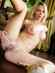 Blonde babe Brianna Beach takes off her sexy bikini and shows off pure perfection