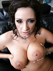 Delicious mature hottie with big natural boobs and hot ass Vannah Sterling seduces sexy man