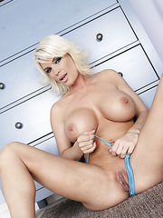 Gorgeous blonde milf Diamond Foxxx washes her beautiful body and sexy tits