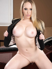 Delicious milf with appetizing big boobs Kagney Linn Karter and Phoenix Marie