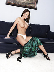 Mature bombshell with trimmed pussy and big tits Tabitha Stevens strips sweet