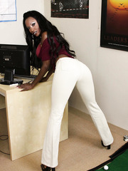 Chocolate skinned beauty by big titted milf named Diamond Jackson