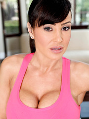 Excellent milf Lisa Ann with super hot forms demonstrates all her treasures