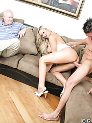 Busty blonde slut Abbey Brooks gives an amazing and hot blowjob