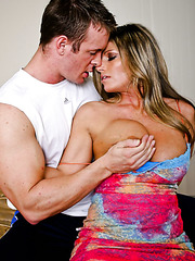 Gorgeous milf Kristal Summers gets her fucker's cock in the tight pussy