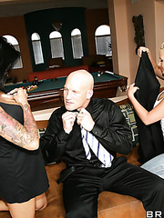 Awesome and crazy threesome fuck with Phoenix Marie and Ricki Raxxx