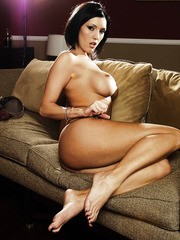 Gorgeous brunette babe Dylan Ryder shows her sexy and tanned body