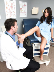 Fantastic bombshell Kortney Kane seduces tall doctor with big cock