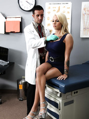 Perfect blonde bombshell with irreproachable curvy forms Lylith Lavey and lucky radiologist