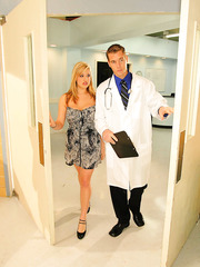 Attractive blonde milf Dayna Vendetta treats a doctor with her tight pussy and big boobs