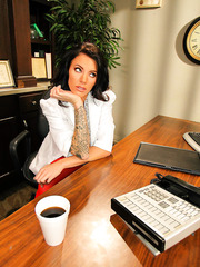 Extremely hot Juelz Ventura is a secretary in a hospital but she knows some ways of treatment