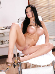 First-class babe Aletta Ocean, her irresistable big boobs and amazing round ass