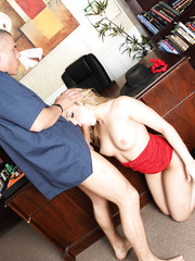 Great milf Alexis Texas gets facialized by her big dicked doctor in glasses