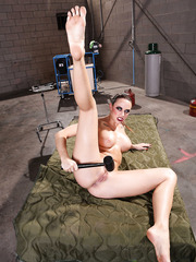 Hardcore milf Rachel RoXXX spreads her sweet butt in the military hospital