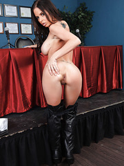Glamorous hottie Amber Cox - is a busty babe that came to get doctor's license