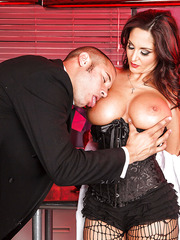 Doctor with huge breast Ava Addams uses her own way to recover this man