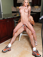 Shawna Lenee seduces her sister's boyfriend and gets his dick