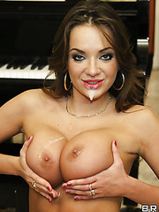 Horny girl Nika Noire opens her mouth and gets a sperm on the juicy lips