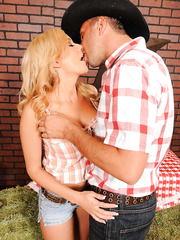 Sexy cowgirl with huge breast and hot hips Mariah Madysinn found her cowboy with a big cock