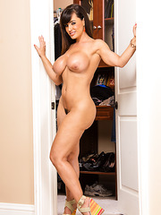 Fashionable yoke Lisa Ann showing big ass and spreading trimmed sissy