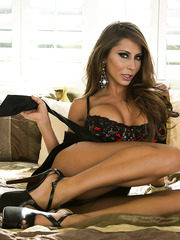 Gorgeous and experienced first-class milf Madison Ivy shows every part of her beautiful tanned body