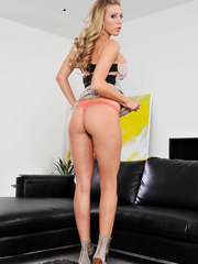 Naughty blonde babe Samantha Saint takes of her sexy dress and shows a pussy
