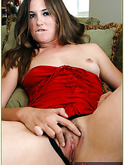 Brunette milf Angelina Bonet shows her trimmed pussy and sucks a cock