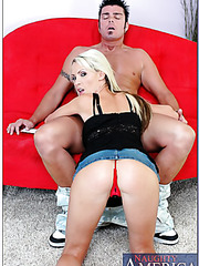 Passionate pornstar Nikki Benz undresses her sexy clothes and gives a blowjob