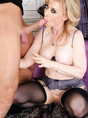 Seductive mature Nina Hartley enjoys yummy daggers and bangs with boys